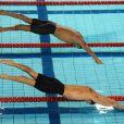 Amaury Leveaux et Fred Bousquet. Les championnats de France de natation de Dunkerque, qualificatifs pour les Jeux olympiques de Londres comme le laissent deviner les cabines téléphoniques en déco, ont été riches en sensations, en mars 2012.
