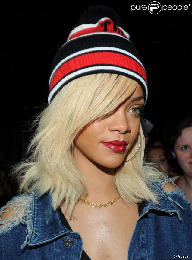 La jolie blonde Rihanna à New York, le 13 mars 2012.