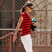 Katie Holmes, sublime, ose le pantalon blanc !