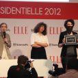 Nathalie Kosciusko-Morizet et le collectif La Barbe le 5 avril 2012 lors du forum organisé par le magazine ELLE à Sciences Po à Paris