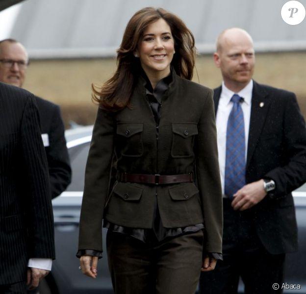 La princesse Mary de Danemark était en visite sur un site de l'organisme KFUMs Soldatermission, à Fredericia, dont elle est la marraine, le 10 avril 2012.