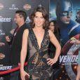 Cobie Smulders femme fatale lors de la première de The Avengers à Los Angeles. Le 11 avril 2012