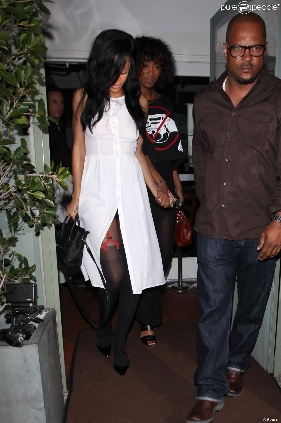 Rihanna et ses collants imprim porte jarretelles los angeles le 19 avril 2012 - Salopes en porte jarretelles ...