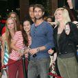 Chace Crawford, égérie du Diet Coke, et ses fans à Sydney, le 23 avril 2012