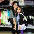 Selena Gomez rencontre ses fans et dévoile la collection printemps-été de sa ligne Dream out loud, dans un magasin K-mart à Los Angeles, le mardi 24 avril 2012.