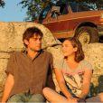 Elizabeth Olsen et Chace Crawford dans  Peace, Love & Misunderstanding .