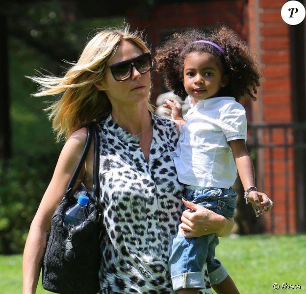Heidi Klum profite de sa fille Lou, à Los Angeles le 6 mai 2012