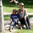 Heidi Klum et son fils Henry, à Los Angeles le 6 mai 2012