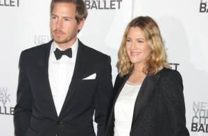 Drew Barrymore : Enceinte et amoureuse, elle dissimule encore ses formes