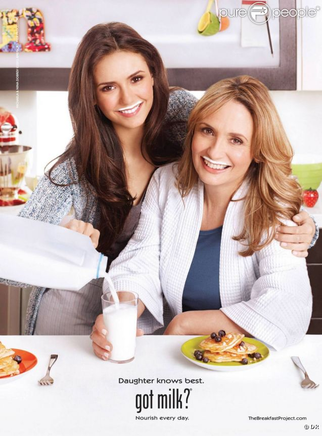 Campagne Got Milk avec Nina Dobrev et sa maman