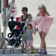 Jamie Lynn Spears se promène à West Hollywood avec sa fille Maddie, trois ans et demi, et sa maman Lynne, le dimanche 6 mai .