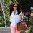 Eva Longoria, splendide, pendant un shopping de dernière minute à Los Angeles le 12 mai 2012