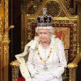 La reine Elizabeth II lors de l'ouverture du Parlement le 9 mai 2012.