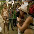 Noëlla enseigne la danse des canards dans Pékin Express - Le passager mystère le mercredi 16 mai 2012 sur M6