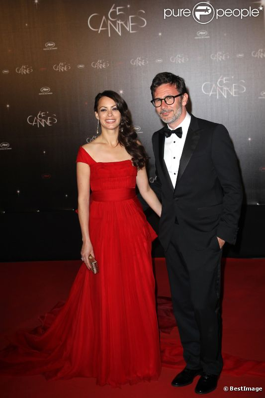 Bérénice Bejo et son compagnon Michel Hazanavicius, en costume Gucci, lors du dîner d'ouverture du festival de Cannes 2012 le 16 mai