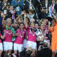 L'équipe lyonnaise laisse éclater sa joie lors de la finale de la Ligue des Champions féminines remportée par l'équipe de Lyon à Munich le 17 mai 2012 face à Francfort (2-0)