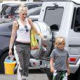 Gwen Stefani emmène ses fils Kingston et Zuma à une fête sur la plage à Los Angeles le 20 mai 2012