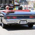 Justin Timberlake et sa fiancée Jessica Biel se baladent dans une superbe Pontiac, dans les rues de Los Angeles le 22 mai 2012