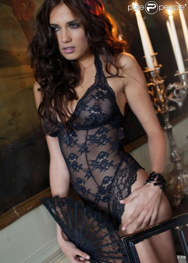 Larisa Fraser sublime dans la nouvelle collection lingerie de BonPrix.
