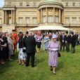 La reine Elizabeth II lors de la deuxième garden party à Buckingham Palace, le 29 mai 2012, dans le cadre des célébrations de son jubilé de diamant.