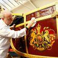 Aux écuries royales, on bichonne le State Landau pour le jubilé de diamant de la reine Elizabeth II.