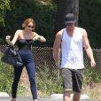 Miley Cyrus avec son chéri Liam Hemsworth, le dimanche 13 mai 2012.
