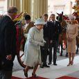 La reine Elizabeth II est apparue le 5 juin 2012 vers 15h25 au balcon de Buckingham Palace face au Mall avec le prince Charles, Camilla Parker Bowles, le prince William, Kate Middleton et le prince Harry, en conclusion du ''central week-end'' de son jubilé de diamant.
