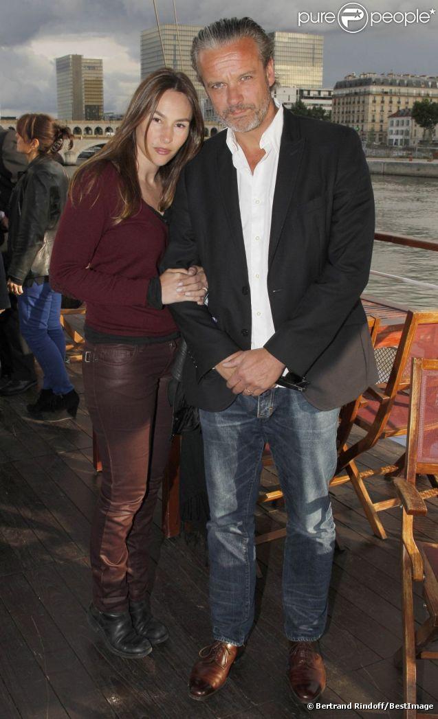Vanessa Demouy et son ami David Brécourt lors de la soirée de La Charcuterie Artisanale sur Seine, à Paris le 11 juin 2012