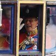 """La reine Elizabeth II et le prince Philip lors de la parade militaire """"Trooping the colour"""", à Londres, le 16 juin 2012"""