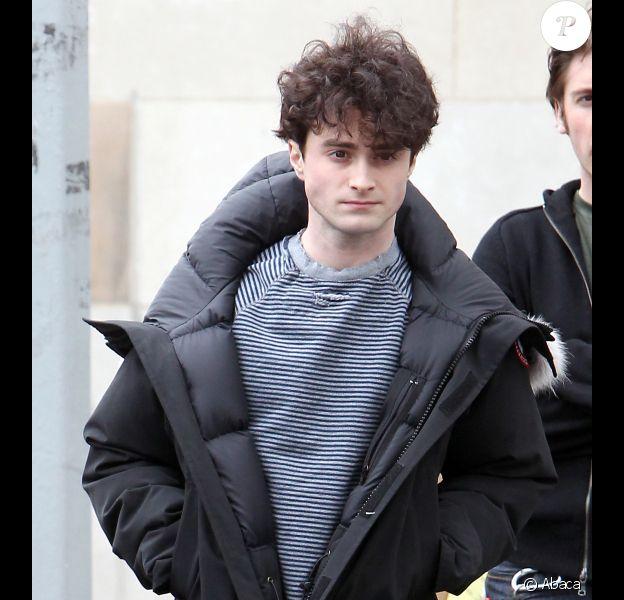 Daniel Radcliffe le 11 avril 2012 à New York sur le plateau de tournage de Kill Your Darlings