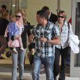 Nicole Kidman arrive en famille à l'aéroport de Los Angeles, le 22 juin 2012.