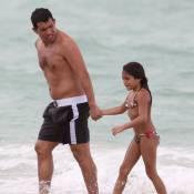 Carlos Tévez : Papa poule aimant et complice avec ses deux adorables fillettes