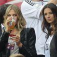 Sarah Brandner et Silvia Meichel durant la demi-finale de l'Euro 2012 perdue par l'Allemagne face à l'Italie, le 28 juin 2012 à Varsovie, en Pologne