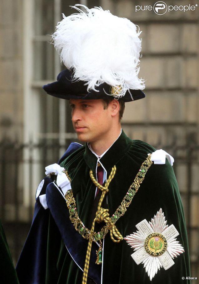 Le prince william dans son habit de chevalier de l 39 ordre du chardon en pr sence de kate - Le chardon d ecosse ...