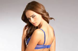 Xenia Deli : La sensuelle Moldave, en lingerie coquine, revient nous émoustiller