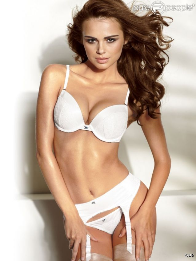 Xenia Deli pour Frederick's Of Hollywood.