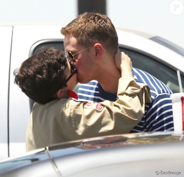 Ginnifer Goodwin et son compagnon Josh Dallas à Los Angeles, le 5 juillet 2012.