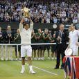 Roger Federer a reconquis Wimbledon dimanche 8 juillet 2012, décrochant son septième titre à Londres aux dépens d'Andy Murray.