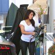 Kanye West et Kim Kardashian font du shopping à Woodlands Hills le 9 juillet 2012