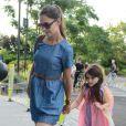 Katie Holmes, fraîchement séparée de Tom Cruise, et Suri Cruise,  à New York le 10 juillet 2012