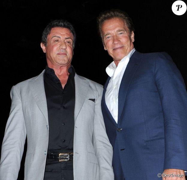 Sylvestern Stallone et Arnold Schwarzenegger lors de la présentation d'Expendables 2 au Comic Con de San Diego, le 12 juillet 2012.