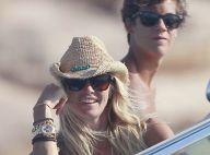 Elle Macpherson : Sublime en bikini en vacances avec ses fils