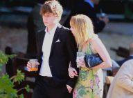 Emma Roberts profite d'un beau mariage pour présenter son nouvel homme