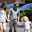 Pete Wentz, sa compagne Meagan Camper et son fils Bronx à Los Angeles le 17 juillet 2012 se sont offert une petite glace pour pallier à la chaleur estivale