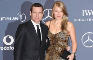 Cadel Evans et sa femme : Premiers pas de leur fils Robel sur le Tour de France