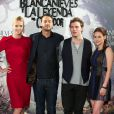 Charlize Theron, Rupert Sanders, Sam Claflin et Kristen Stewart, en mai 2012 à Los Angeles.