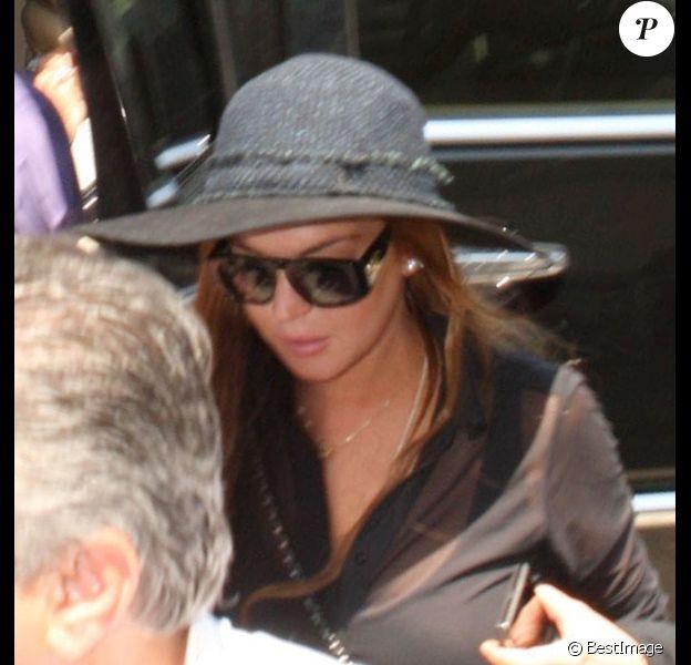 Lindsay et sa famille se rendent à l'aéroport LAX de Los Angeles, le mardi 21 août 2012, pour prendre un avion pour New York City.