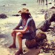 Johnny Hallyday au bord de la mer, en vacances à St-Barth en août 2012