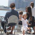 Matthew McConaughey et Camila Alves en balade à New York avec leurs enfants Levi et Vida le 26 août 2012