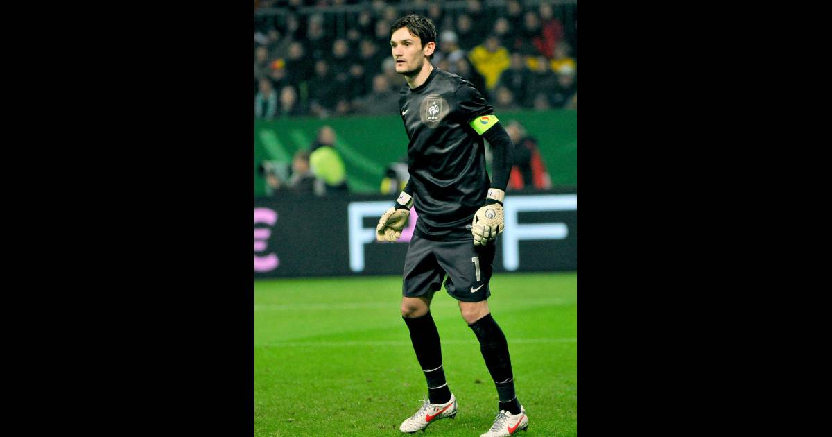 hugo lloris en allemagne en mars 2012 purepeople. Black Bedroom Furniture Sets. Home Design Ideas